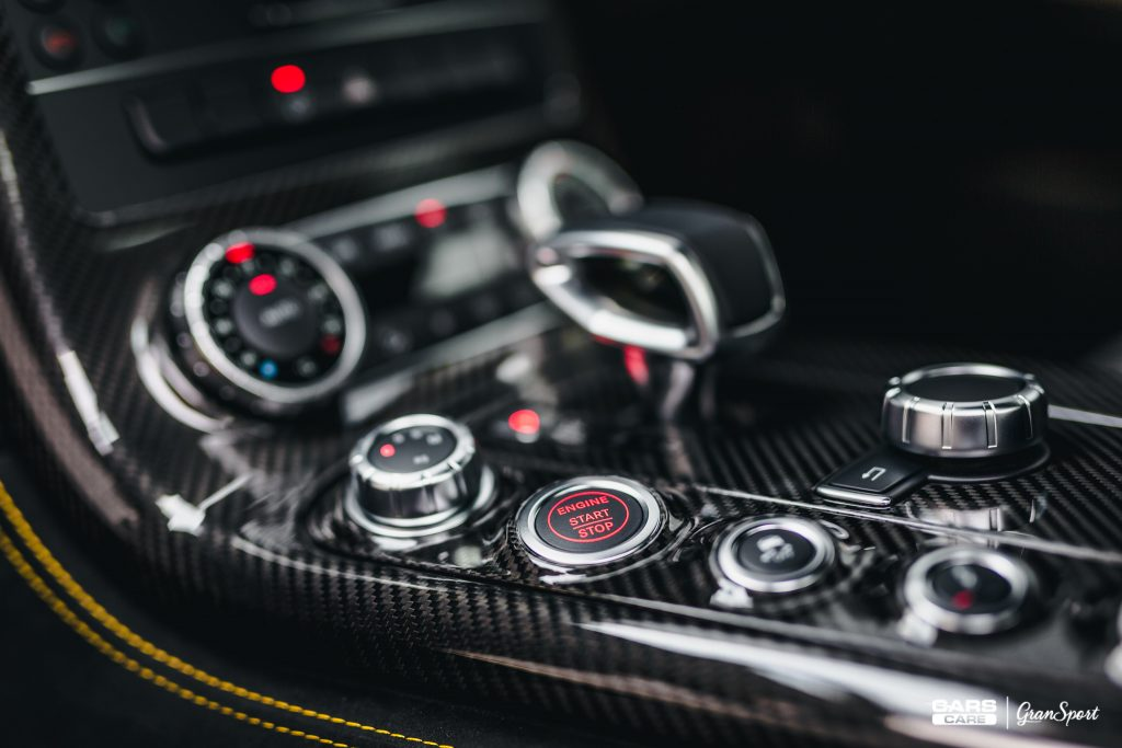 Mercedes-Benz SLS AMG Black Series - detailing wnętrza - carscare.pl