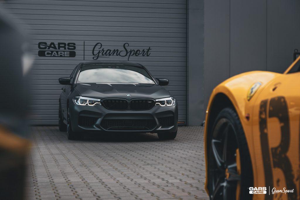 BMW M5 - Bezbarwna folia ochronna - carscare.pl