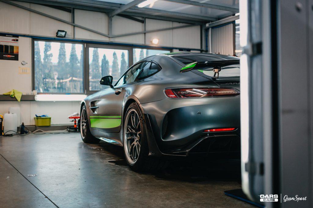 Mercedes-AMG GT-R Pro - Zabezpieczenie auta bezbarwną folią ochronną - carscare.pl