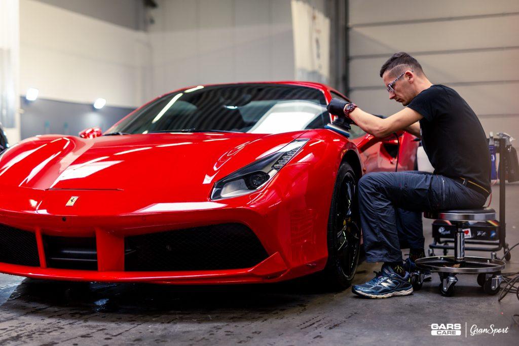 Ferrari 488 Spider - Zabezpieczenie auta bezbarwną folią ochronną - carscare.pl