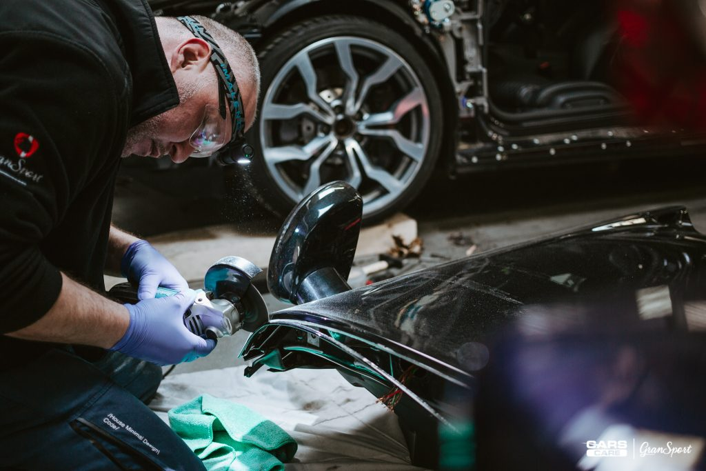Audi R8 Spyder - Zmiana koloru auta folią - carscare.pl