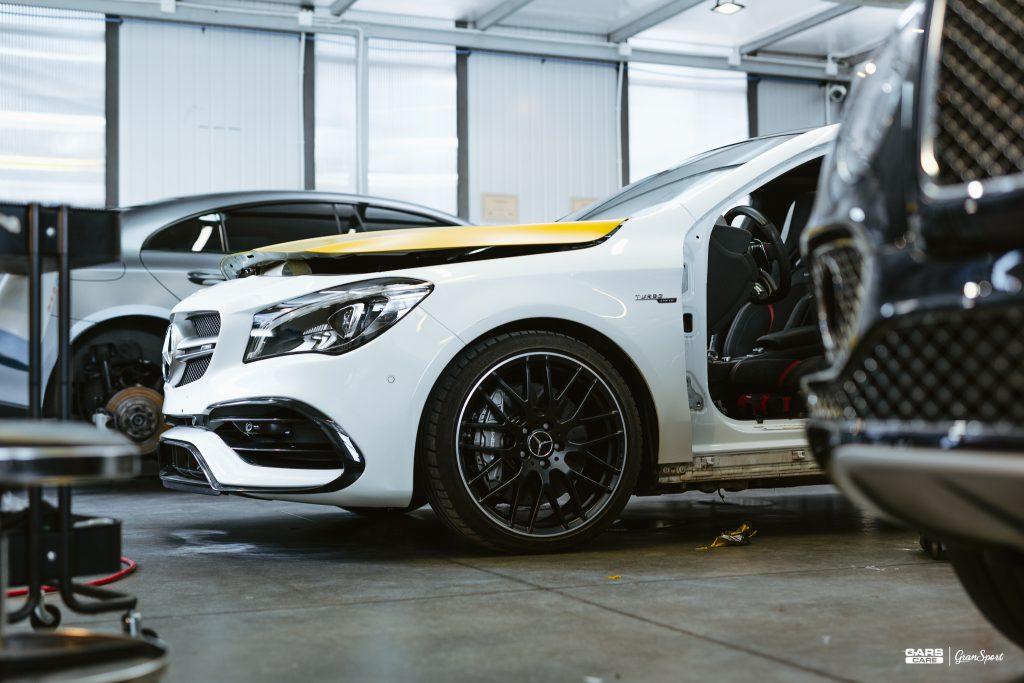 Mercedes-Benz CLA 45 AMG - Zmiana koloru auta folią - carscare.pl