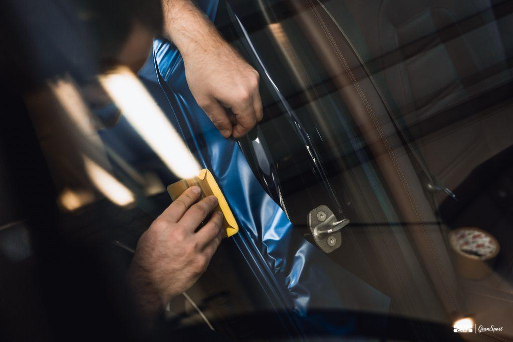 Mercedes-Benz E 43 AMG - Zmiana koloru auta folią - carscare.pl