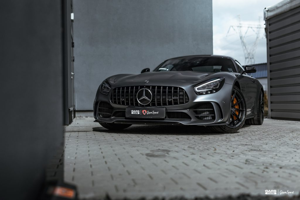 Mercedes-AMG GT R - Zabezpieczenie auta bezbarwną folią ochronną - carscare.pl