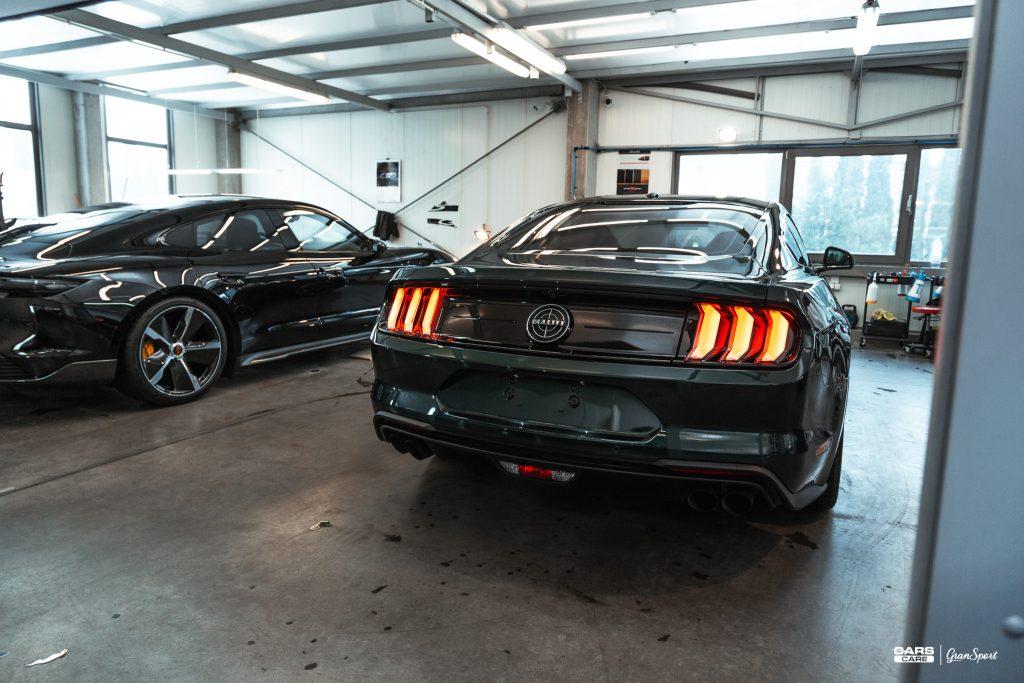 Ford Mustang Bullitt - Zabezpieczenie auta bezbarwną folią ochronną - carscare.pl
