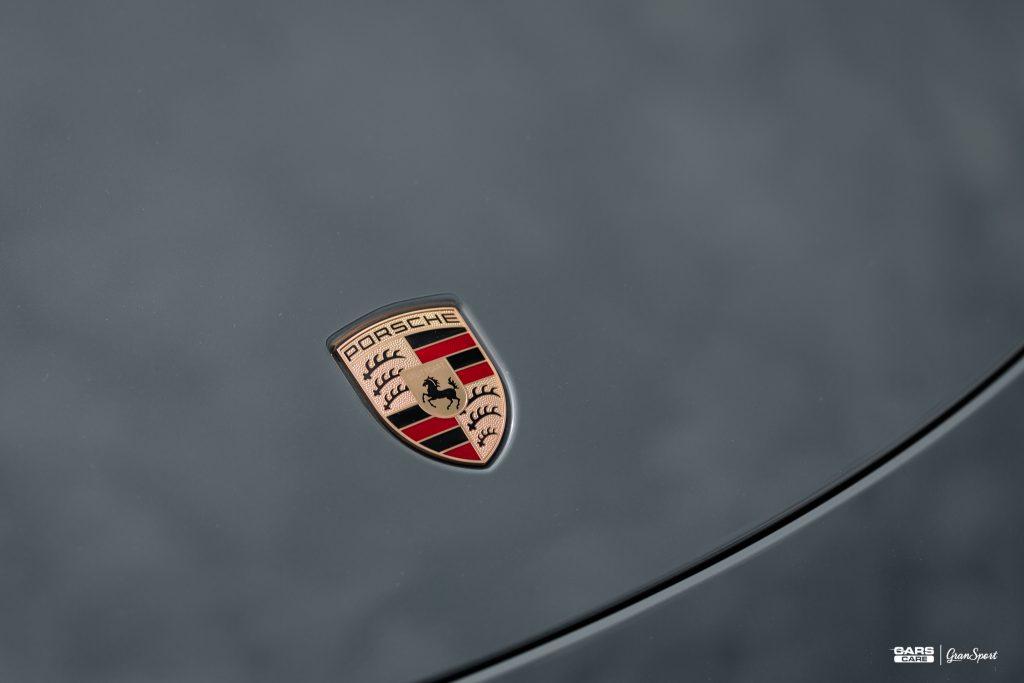 Porsche 911 Carrera 4 GTS - Zabezpieczenie auta bezbarwną folią ochronną - carscare.pl