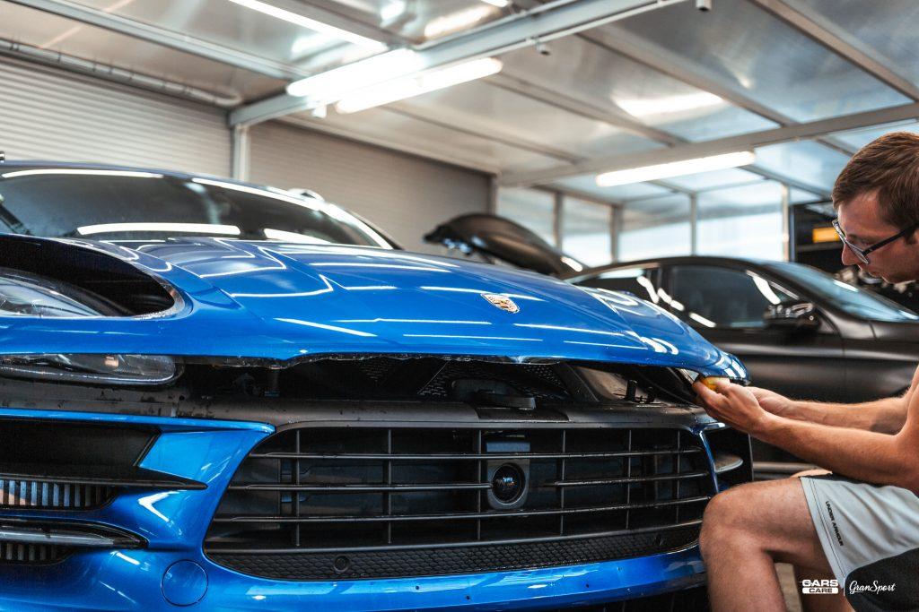 Porsche Macan - Zabezpieczenie auta bezbarwną folią ochronną - carscare.pl