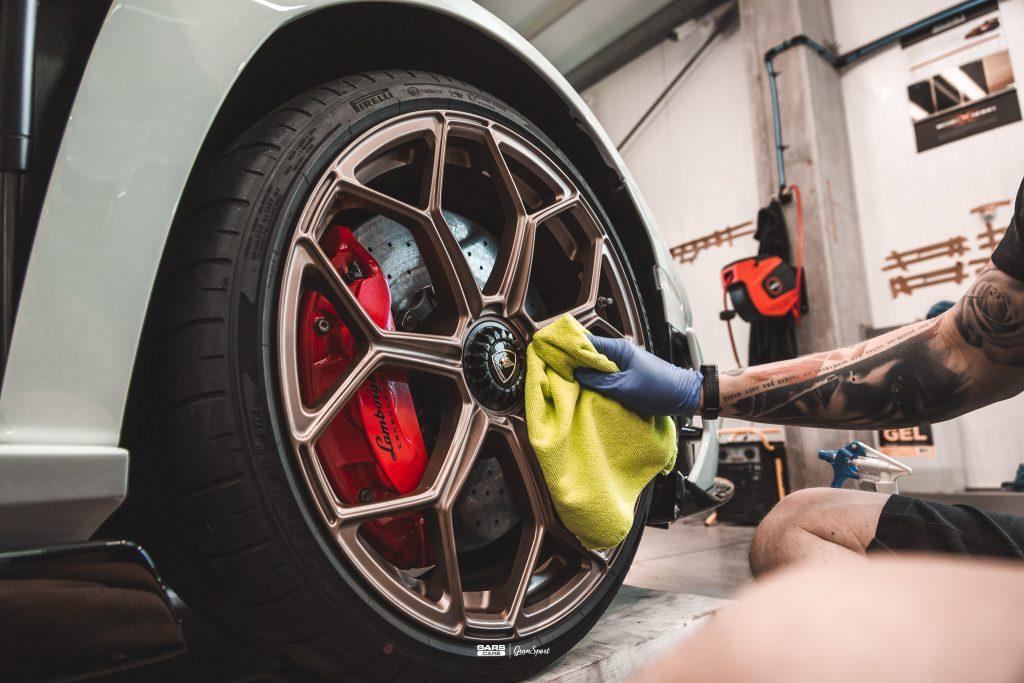 Lamborghini Aventador SVJ - Zabezpieczenie auta bezbarwną folią ochronną - carscare.pl