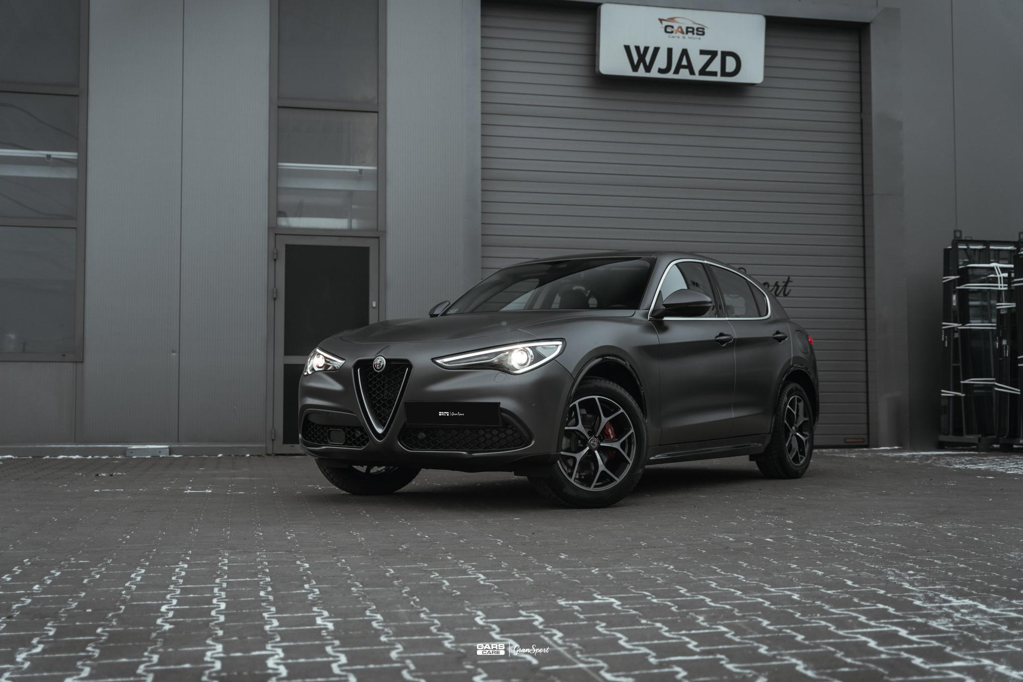 Alfa Romeo Stelvio - Zmiana koloru auta folią - carscare.pl