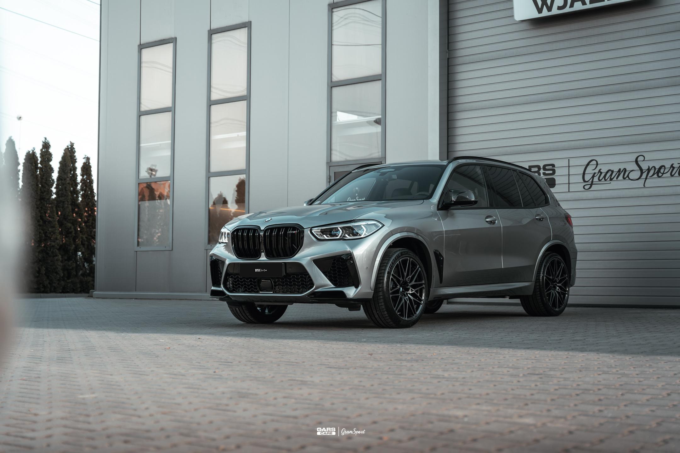 BMW X5 M - Zabezpieczenie auta bezbarwną folią ochronną - carscare.pl