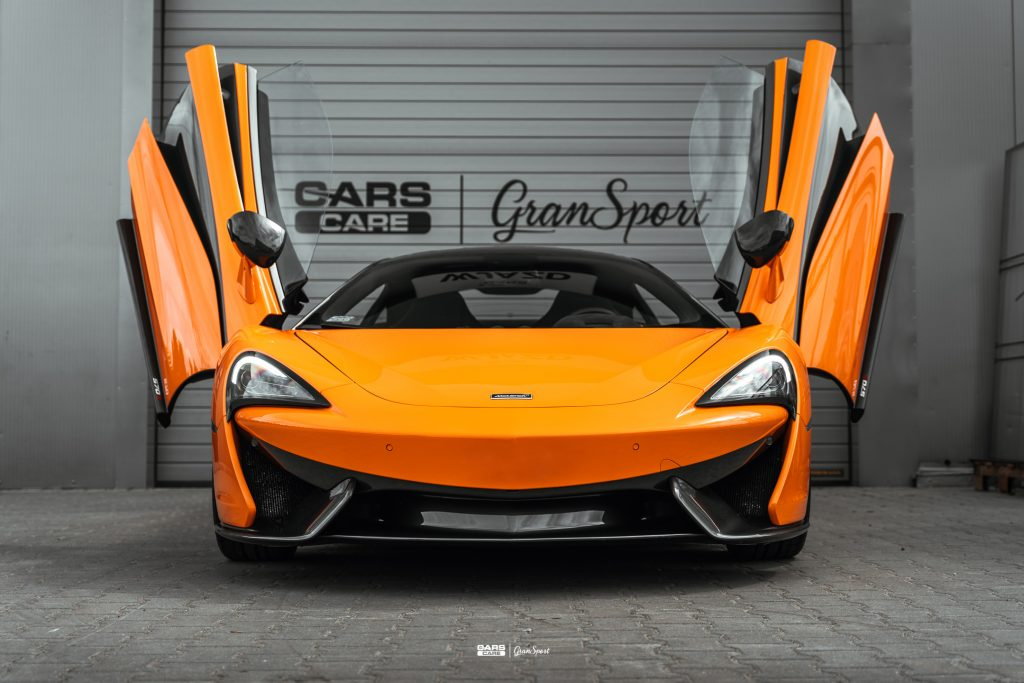 McLaren 570S - Zabezpieczenie auta bezbarwną folią ochronną - carscare.pl